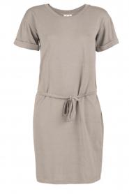 Knit-ted | T-shirt jurk Jael | grijs  | Afbeelding 1