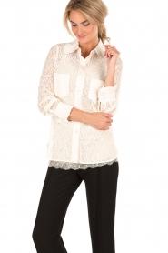Tara Jarmon | Kanten blouse Jaela | wit  | Afbeelding 2