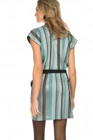 Atos Lombardini | Gestreepte jurk met glitters Fenna | blauw  | Afbeelding 5