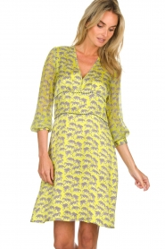 Atos Lombardini |  Printed dress with leopards Gabriella | yellow  | Picture 2