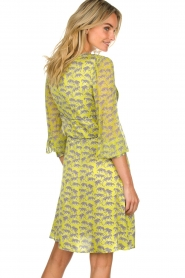 Atos Lombardini |  Printed dress with leopards Gabriella | yellow  | Picture 5