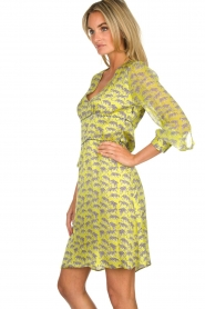 Atos Lombardini |  Printed dress with leopards Gabriella | yellow  | Picture 4