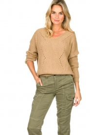 Set |  Knitted V-neck sweater Vinnie | camel  | Picture 4
