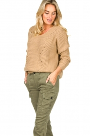 Set |  Knitted V-neck sweater Vinnie | camel  | Picture 2