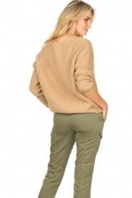 Set |  Knitted V-neck sweater Vinnie | camel  | Picture 6