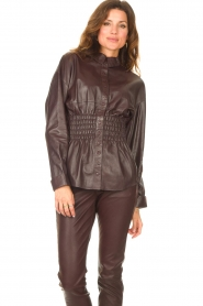 Ibana |  Leather blouse with smocked waist Tally | bordeaux  | Picture 4