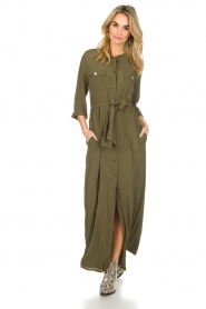 Atos Lombardini |  Maxi dress with shimmering buttons Mindi | green  | Picture 2
