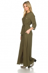 Atos Lombardini |  Maxi dress with shimmering buttons Mindi | green  | Picture 5