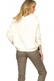 Set |  Knitted V-neck sweater Vinnie | white  | Picture 6