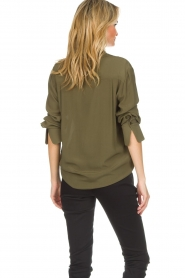 Atos Lombardini |  Classic blouse Amelia | green  | Picture 7