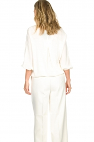 Atos Lombardini |  Top with cropped sleeves Maglia | white  | Picture 6