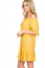 Hipanema | Off-shoulder jurk Rayane | geel  | Afbeelding 3