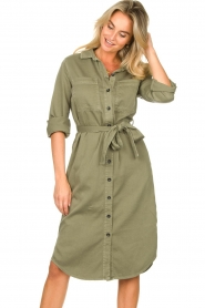 Set | Belted midi dress Bizzy | green  | Picture 4