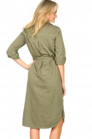 Set | Belted midi dress Bizzy | green  | Picture 6