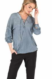 Aaiko | Lace-up blouse Cica | blauw  | Afbeelding 2