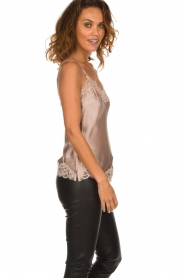 Gold hawk | Silk top Elin | nude  | Picture 3