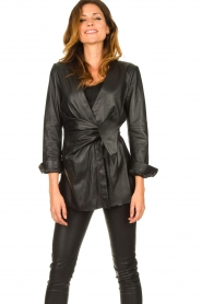 STUDIO AR BY ARMA |  Leather wrap top Hope | black  | Picture 5