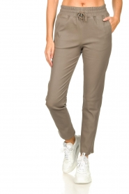 STUDIO AR BY ARMA |  Leather pants Naomi | taupe  | Picture 4