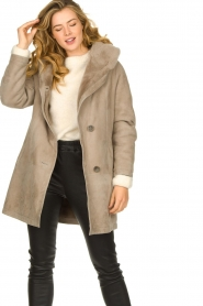 STUDIO AR BY ARMA |  Leather lammy coat Babina | taupe  | Picture 5