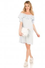 Set | Off-shoulder jurk Cilla | blauw  | Afbeelding 3