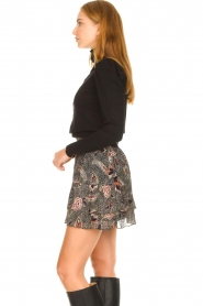 Second Female |  Floral skirt Geo | black  | Picture 4