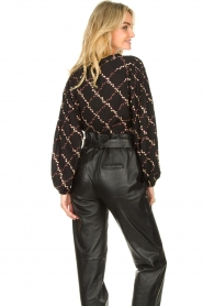 Second Female |  Blouse with floral print Louis | black  | Picture 6