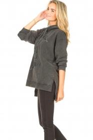 Sofie Schnoor | Sweater jurk Melina | zwart  | Afbeelding 5