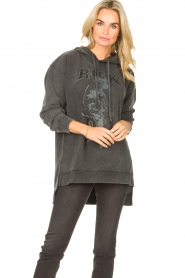 Sofie Schnoor | Sweater jurk Melina | zwart  | Afbeelding 2