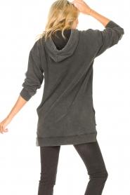 Sofie Schnoor | Sweater jurk Melina | zwart  | Afbeelding 6