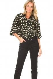 Sofie Schnoor |  Blouse with floral print Kelsie | black  | Picture 6