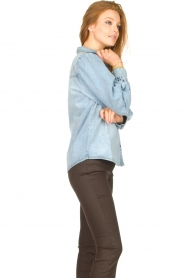 Sofie Schnoor |  Denim blouse Melania | blue  | Picture 6
