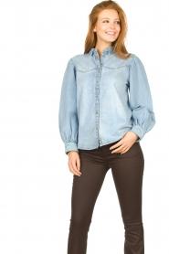 Sofie Schnoor |  Denim blouse Melania | blue  | Picture 4