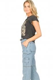 Sofie Schnoor | T-shirt met opdruk Viona | zwart  | Afbeelding 5
