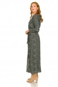 Knit-ted |  Maxi dress with print Pixie | green  | Picture 5