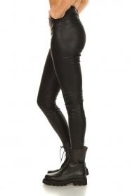 Knit-ted |  Faux leather leggings Amber | black  | Picture 6
