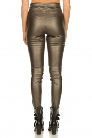 Knit-ted |  Faux leather metallic leggings Amber | metallic  | Picture 6