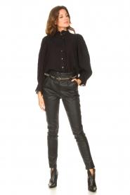 Antik Batik   Gestreepte blouse met pofmouwen Yvette   zwart    Afbeelding 3