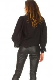 Antik Batik   Gestreepte blouse met pofmouwen Yvette   zwart    Afbeelding 7