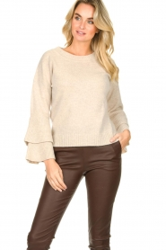 Knit-ted |  Sweater with valance sleeves Cynthia | natural  | Picture 2
