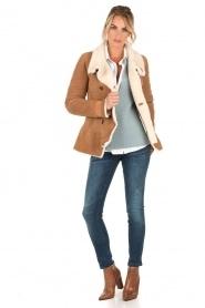 Patrizia Pepe | Suede lammy coat Frensi | bruin  | Afbeelding 3