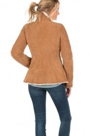 Patrizia Pepe | Suede lammy coat Frensi | bruin  | Afbeelding 5
