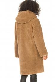 STUDIO AR | Omkeerbare teddy Aisha | camel  | Afbeelding 7