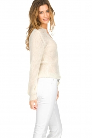 Knit-ted |  Sweater with V-neck Onah  | Picture 4