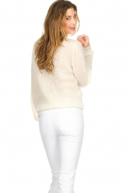 Knit-ted |  Sweater with V-neck Onah  | Picture 5