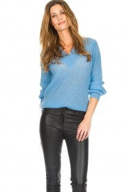 Knit-ted |  Sweater with V-neck Onah | blue  | Picture 2
