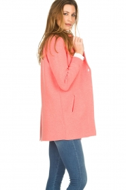 Knit-ted |  Cardigan with blazer details Sammie | pink  | Picture 4