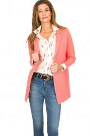 Knit-ted |  Cardigan with blazer details Sammie | pink  | Picture 2