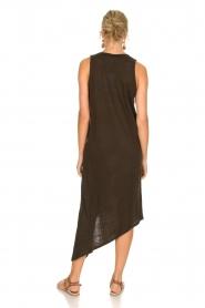 IRO | Schuin afgesneden jurk Karossi | groenbruin  | Afbeelding 4
