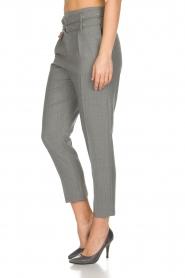 IRO | Pantalon met twee riemen Lana | Grijs  | Afbeelding 4