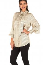 By Malene Birger | Pussybow blouse Aluda | ecru/zwart  | Afbeelding 2